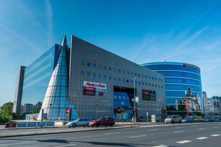 első üzletközpont