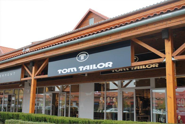 tom tailor premier outlet nyitvatart s c m term kek akci. Black Bedroom Furniture Sets. Home Design Ideas