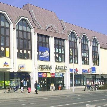 ba8da0d3a033 Stop.Shop. Debrecen - nyitvatartás, üzletek, parkolás, cím