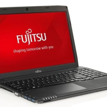 Fujitsu Lifebook A514 15,6' notebook 1 év Office365
