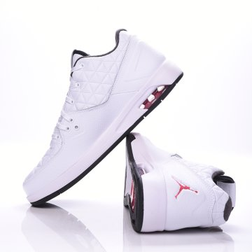 MENS JORDAN CLUTCH SHOE
