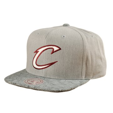 CRACKED SNAPBACK CLEVELAND CAVALIERS