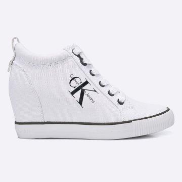 Cipő kollekció Calvin Klein Jeans. Textilanyagból készült modell. - Kerek 607aaa8183